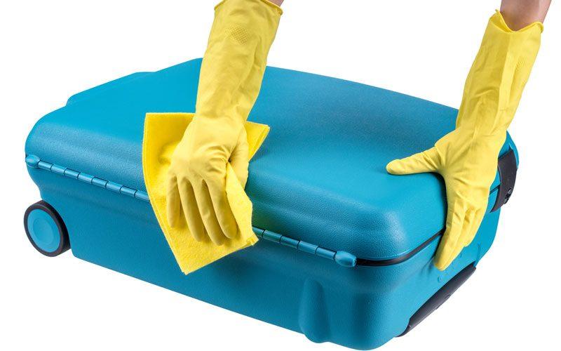 8940353b09 今回、バッグ&ラゲージメーカーのエース株式会社 マーケティング部 広報・PR担当 森川泉さんにスーツケースのお手入れ&保管方法を教えてもらいました。