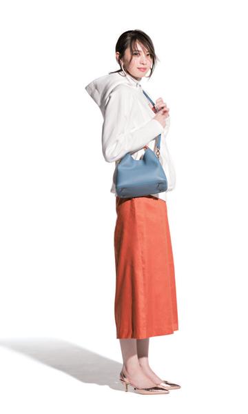 e90755a894cec 4月 最新ファッションコーデ45選 レディース│2019  女性の服装 ...