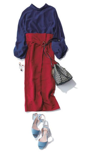 ネイビーブラウス×赤ロングスカート