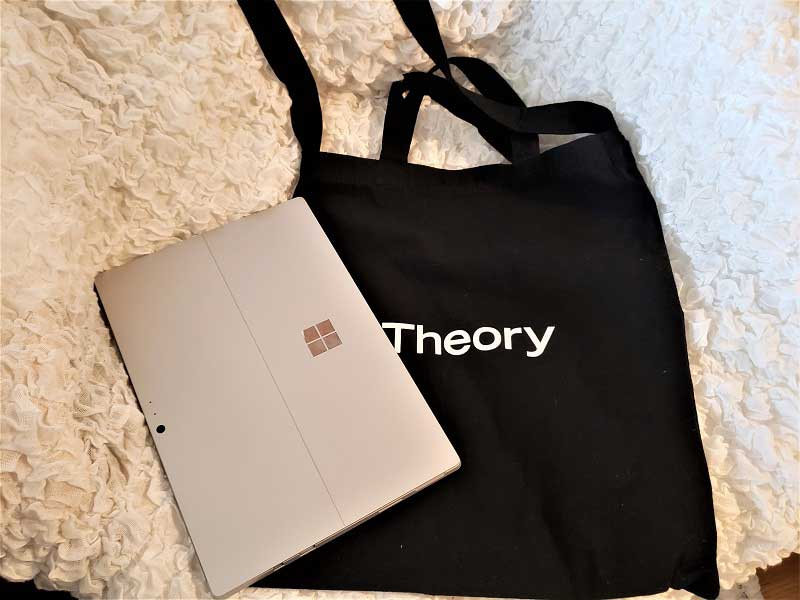 Theoryのトートバッグ