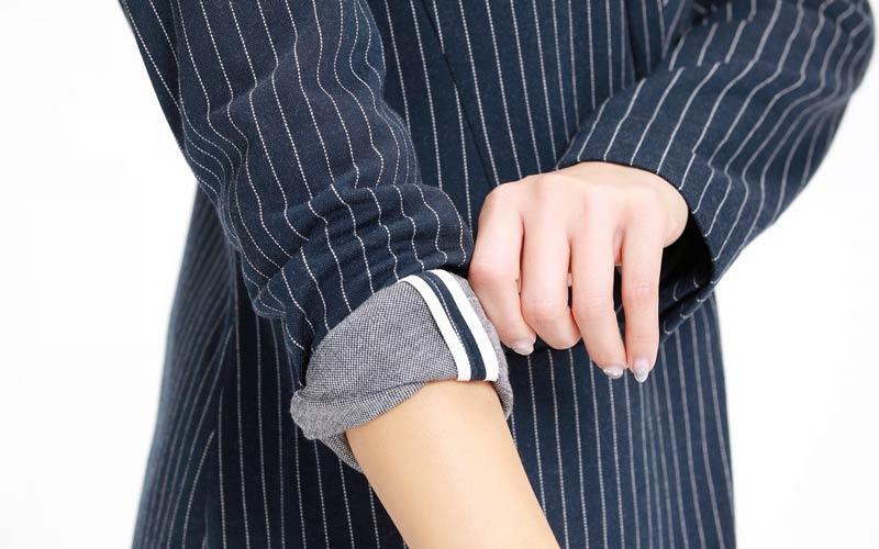 バナナ・リパブリックのパンツスーツ ジャージ素材 袖口