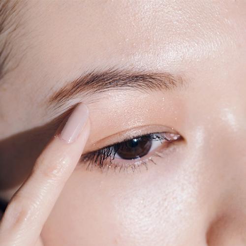 キツイ顔になるのを防ぐ締め色の入れ方