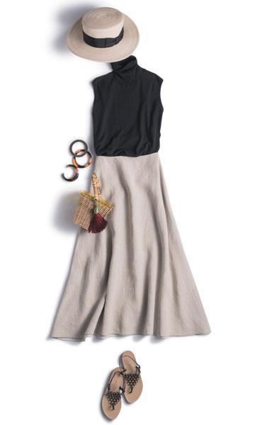 【1】黒ノースリーブニット×ベージュフレアスカート