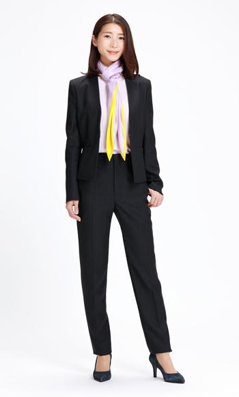 エストネーションのパンツスーツ