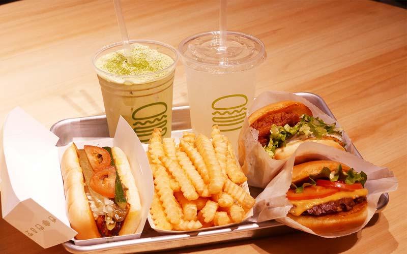 Shake Shack 京都四条烏丸店 アンガスビーフ100%のハンバーガーやホットドッグ、フライ