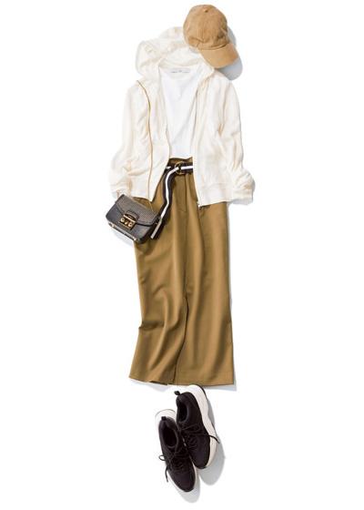 【2】ベージュキャップ×白Tシャツ×白パーカー×カーキタイトスカート