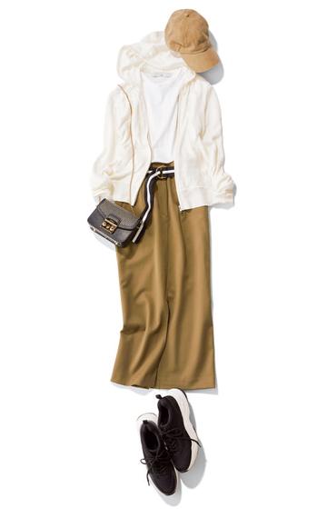 【1】ベージュキャップ×白パーカー×白Tシャツ×カーキタイトスカート