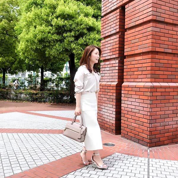 白スカート コーディネート