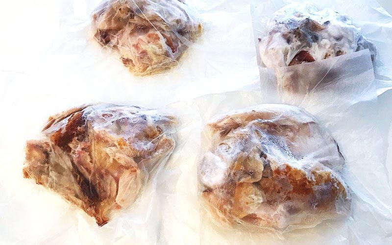 冷凍保存していたチキンを1袋使います