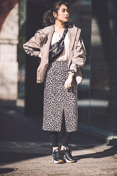 ベージュブルゾン×レオパード柄スカート