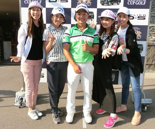 プロゴルファーと記念撮影