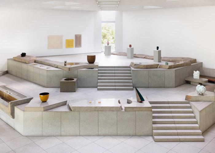 イサム・ノグチの屋内石庭「天国」