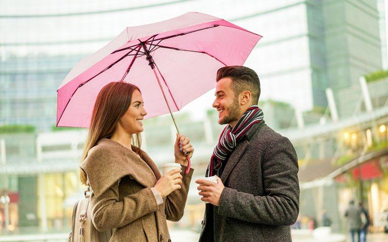 女性が雨の日に行きたい場所