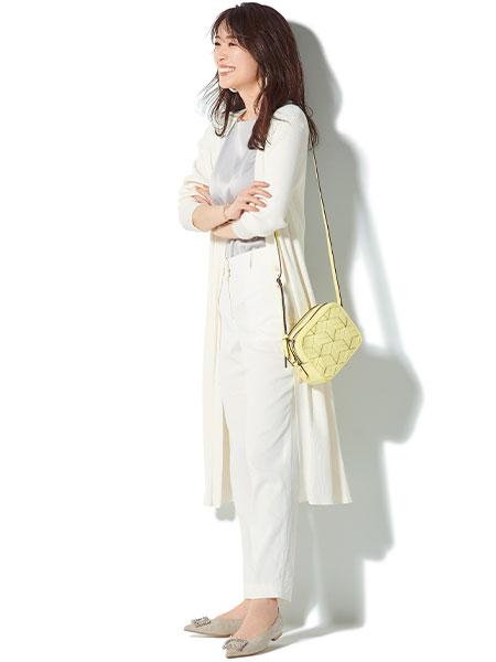 【1】白ロングカーディガン×グレーブラウス×白パンツ