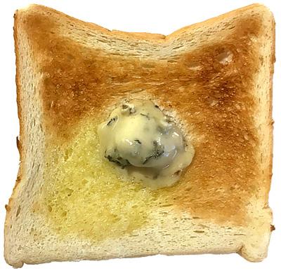 トースト ブルーチーズにハチミツ添え