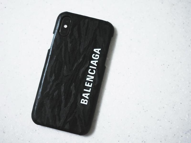 BALENCIAGAのiPhoneケース