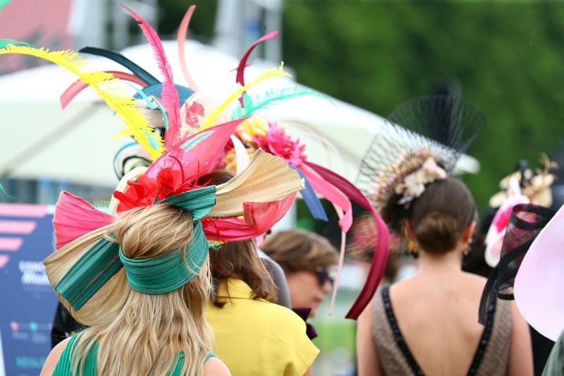 女性のドレスコード「HAT」