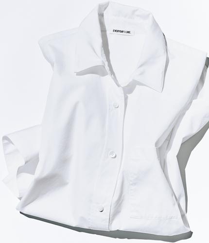 「Deuxième Classe」の白シャツ