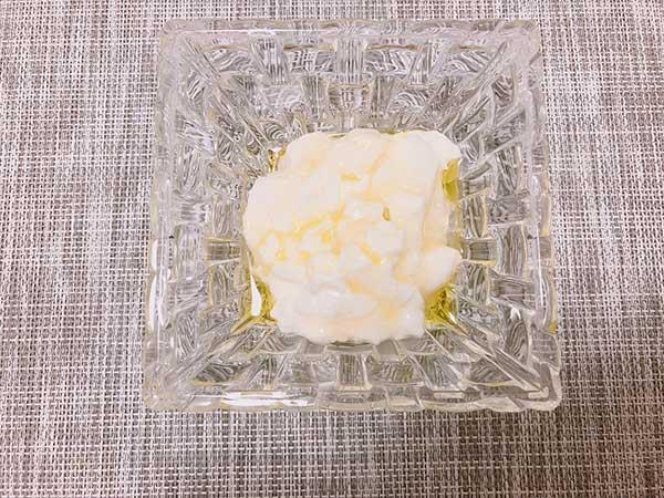 フロマージュ・ブラン風ヨーグルト【檸檬オリーブオイルを使用】