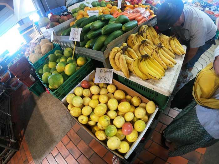 南国ならではのフルーツ