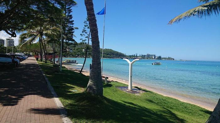 アンスバタビーチをジョギング