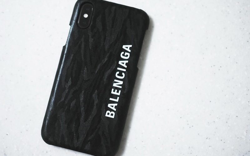 the best attitude ee3af 813d6 BALENCIAGA初のiPhoneケースを購入してみた|オッジェンヌ田之上 ...