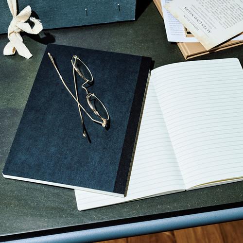 無印良品「上質紙 フラットに開くノート」