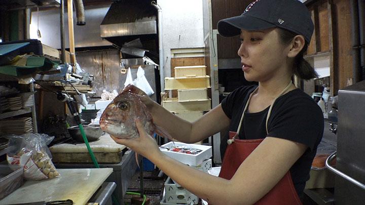 鮮魚の卸売り「寿商店」森朝奈さん