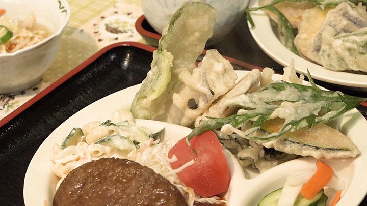 夕食に新鮮な野菜を入れる