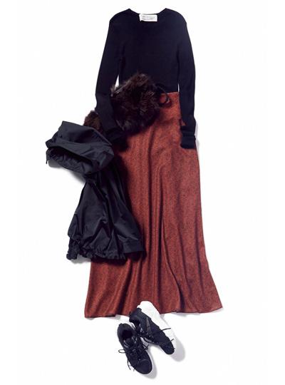 黒リブニット×花柄マキシ丈スカート
