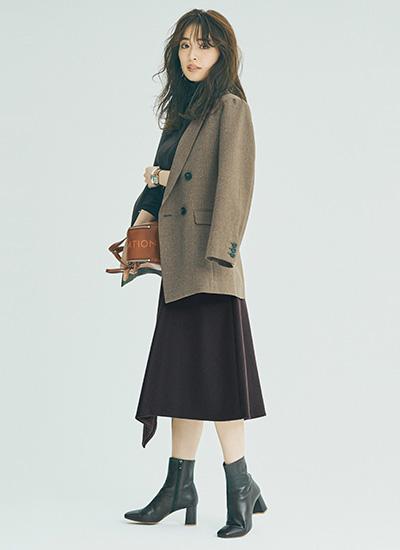 ブラウンジャケット×ブラウンスカート