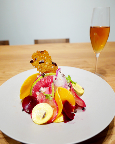 鎌倉野菜のサラダ、カカオビネガードレッシング/ティー:さんぴん茶