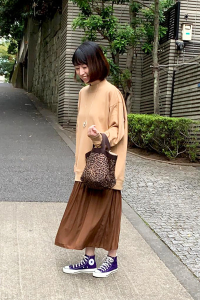 ユニクロ「スウェットモックネックロングシャツ」 きれいめスカートコーデ