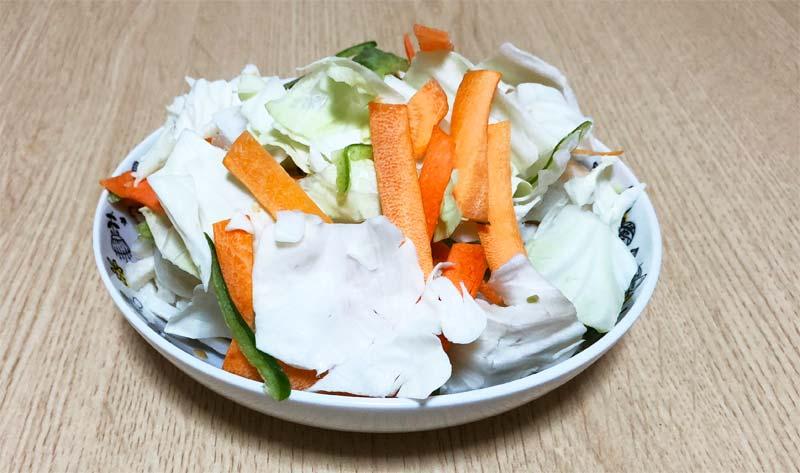野菜&うどんは冷凍のまま入れる