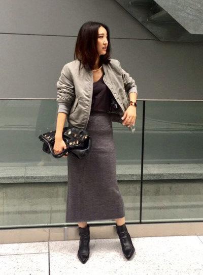 ミリタリージャケット×グレーリブスカート