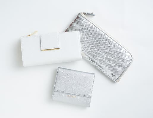 レイジースーザンの財布 ホワイト系/シルバー(グレー)系カラー