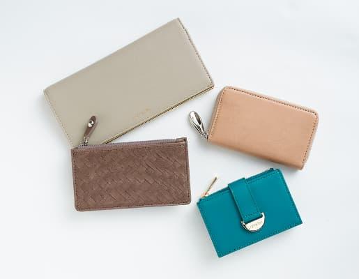 レイジースーザンの財布 グリーン系カラー