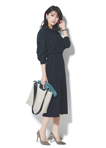 【2】ネイビーニット×タイトスカートのセットアップ
