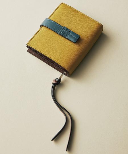 ロエベのシボ入りレザー財布