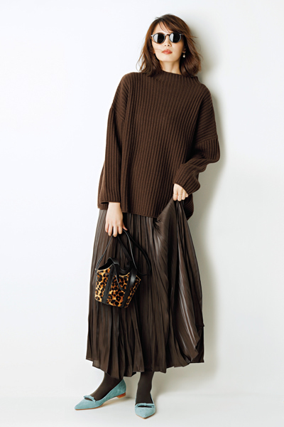 ブラウンニット×ブラウンプリーツスカート