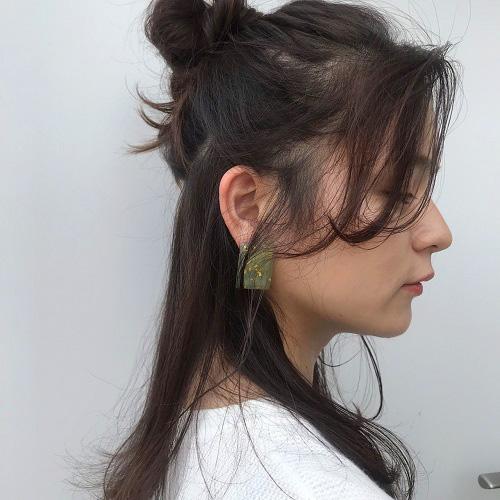 【3】後れ毛が可愛い簡単ハーフアップアレンジ