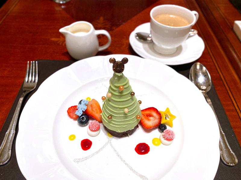 グリーンティー マンゴームースケーキ 季節のフルーツ添え