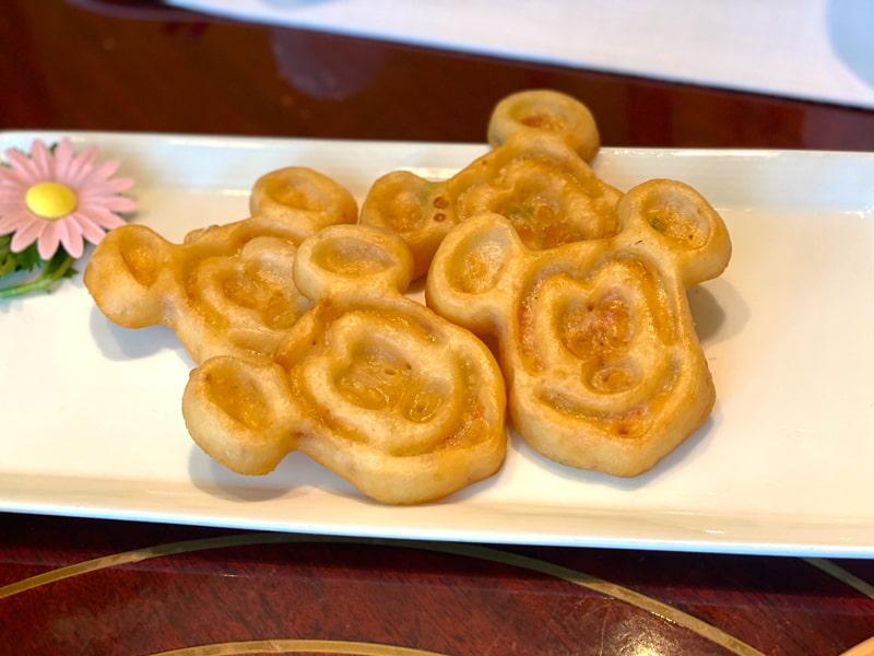ミッキーのシーフードもち米パンケーキ