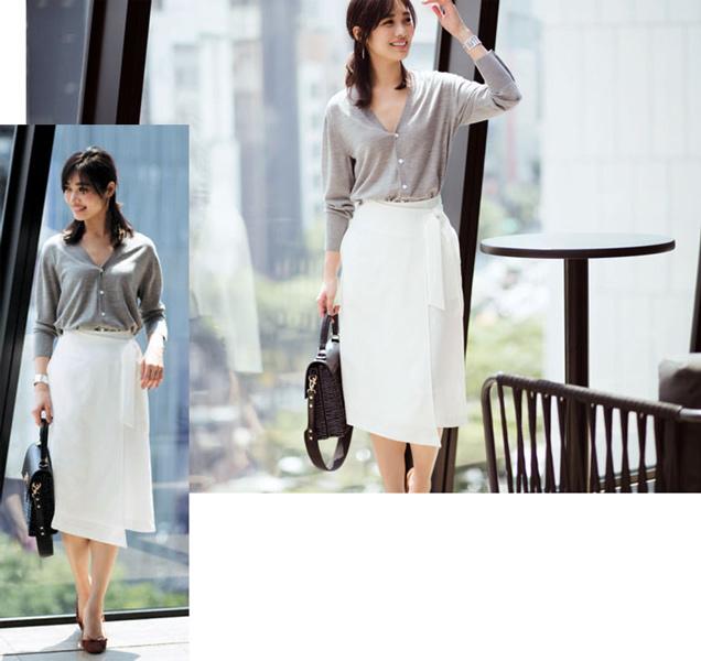灰色ニット×白スカート