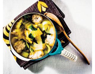 レンコン鶏団子と白菜のスープ