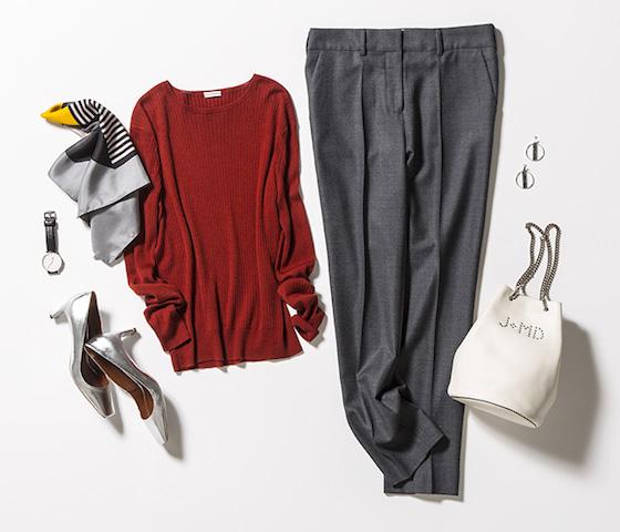 赤セーター×グレーパンツ