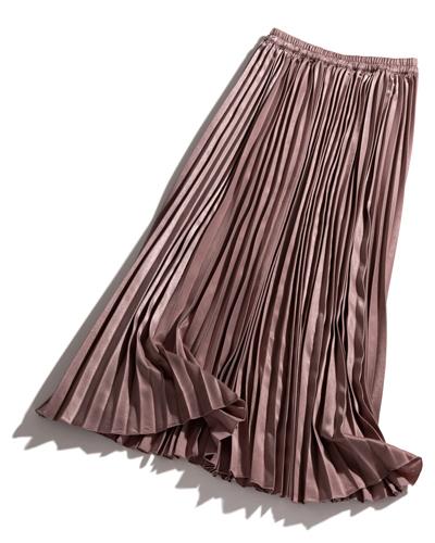 モーブピンクの細プリーツスカート