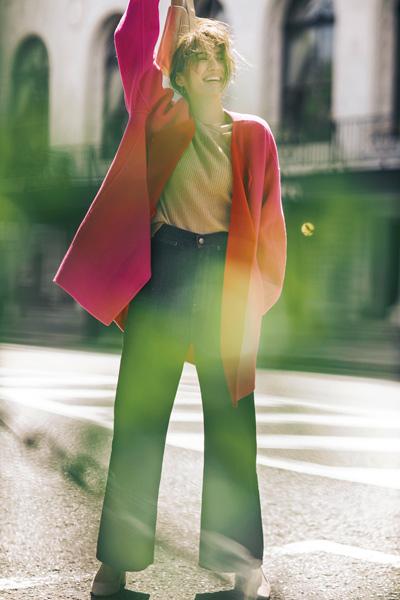 ビビッドカラーのコート ピンク