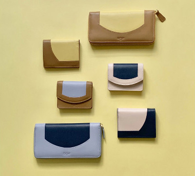 TOMORROWLANDのレザー仕様の財布