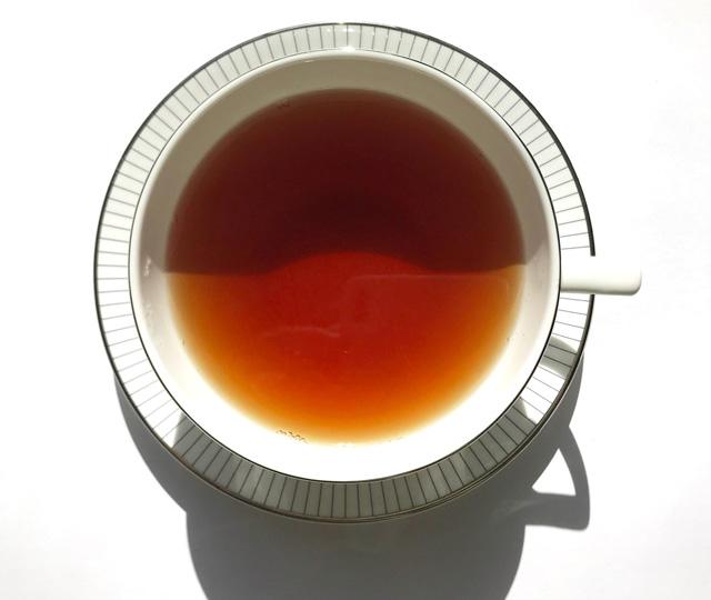 パッションフルーツ・ナ・パリ 紅茶の色